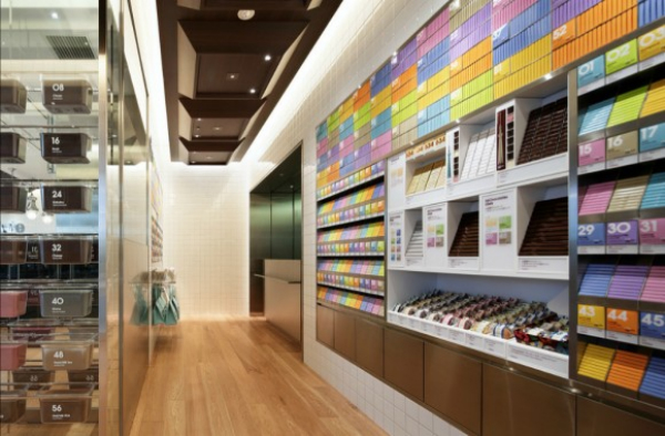 Daydream-In-Color-Color-Destination-100-Chocolate-Cafe-Colorful-Chocolate-Wall